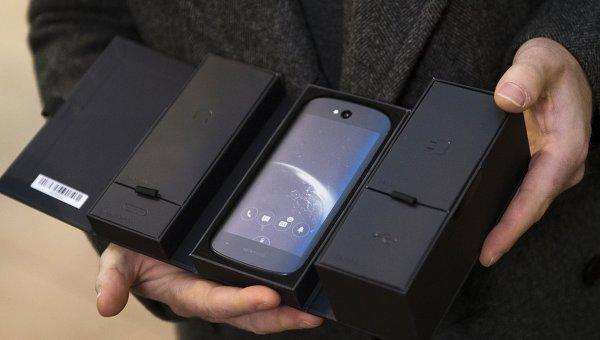 YotaPhone 2 с над 30 хил. продажби в Русия само за месец
