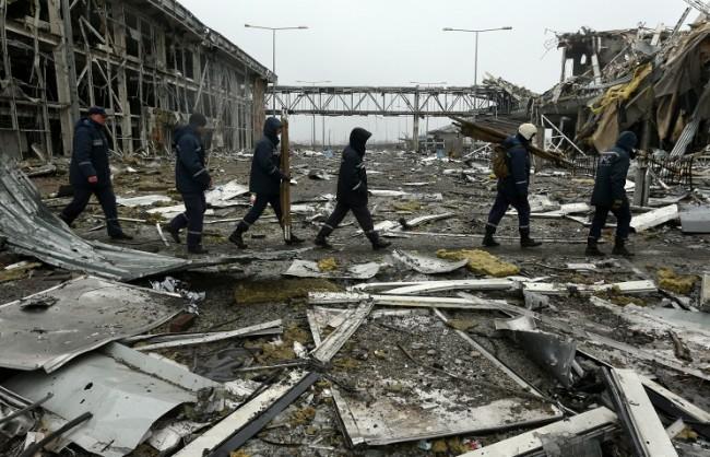 Украинската армия имитира изтегляне на тежкото въоръжение