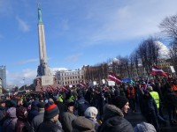 Антифашисти в Рига дезинфекцираха Паметника на Свободата