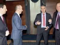"""Азиз Даг (вторият от дясно на ляво) и Майкъл Кърст (вдясно) от """"Уестингхаус"""" представиха пред Форума на бизнес лидерите и 20 посланици плановете си за нов VII реактор на АЕЦ """"Козлодуй""""."""
