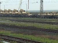 Сидеров: Стоварват тежка американска бойна техника на гара Зимница!