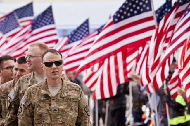 Посланикът на САЩ в Украйна: Американски военни обучават украински бойци