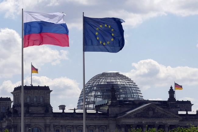 Стяга ли се Европарламентът за война с Русия?