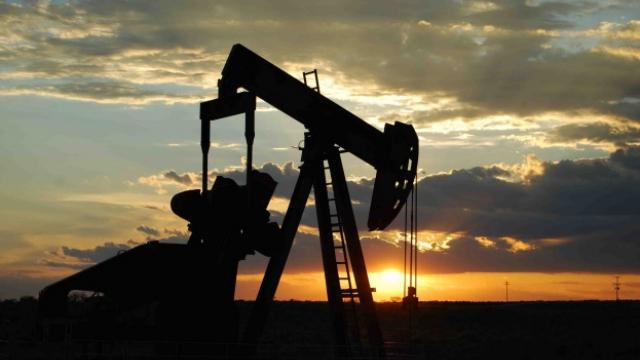 Американски петролни компании плащат милиони, за да се свалят санкциите срещу Русия