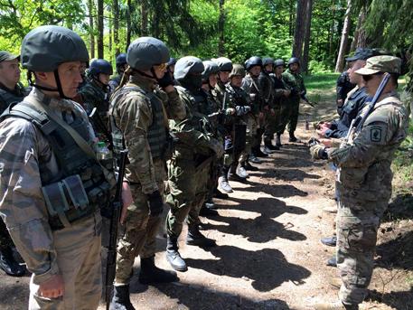 Стотици украински военни се разбунтуваха по време на съвместните учения със САЩ