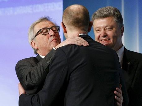 Пушков: Яценюк получи на срещата в Рига само снизходителна целувка по челото