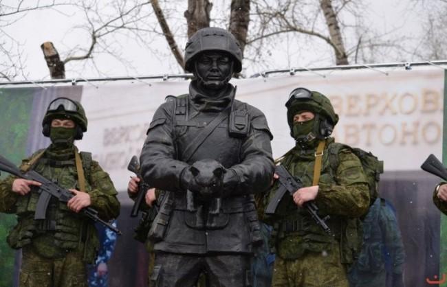 В Русия откриха първия паметник, посветен на вежливите хора