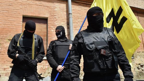 """Киев заплаши да разоръжи """"Десен сектор"""" със сила"""
