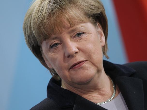 Германски СМИ: Интригите на САЩ заплашват кариерата на Меркел