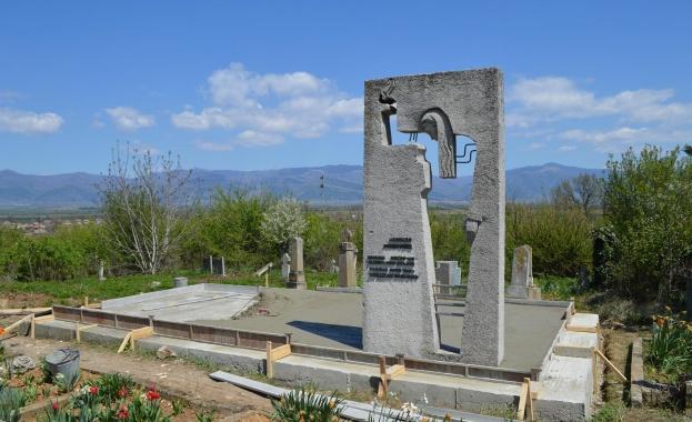 Паметник на войни от Червената армия се открива на 9 май край Казанлък