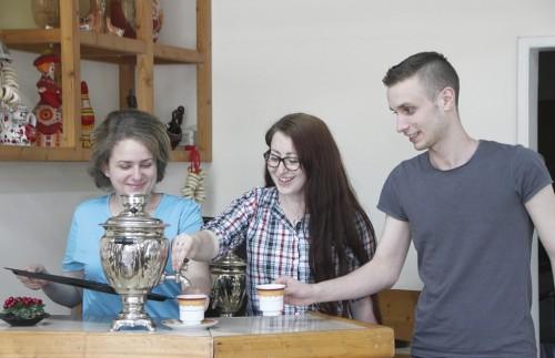 Ивайло, Елисавета и Наталия искат да популяризират Русия сред съвременните млади българи