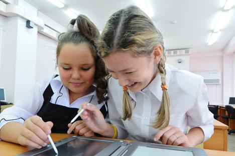 Московските преподаватели по български език за изучаването му в Русия
