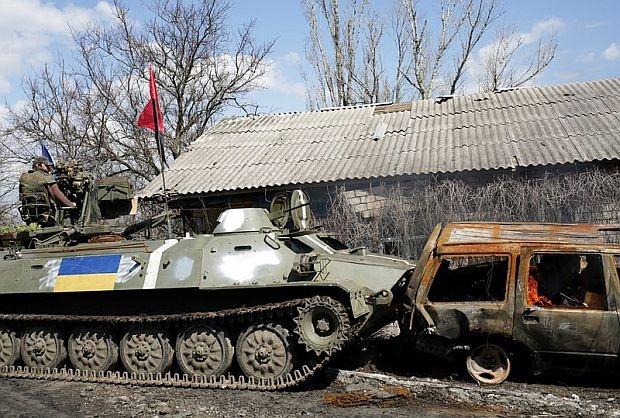 Киев изпрати в Донбас 45 000 бойци с 380 танка
