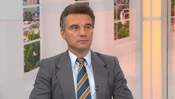 "Доц. Иво Христов: ""Специалистите по ""цветни революции"" са се изнесли в Скопие"