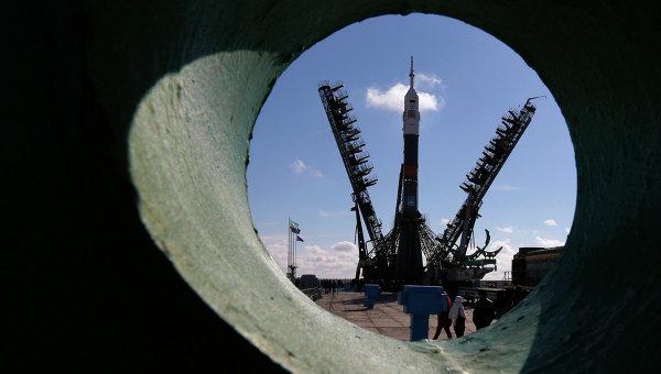 """Договор на века: Ракетите """"Союз"""" ще изведат в орбита 672 европейски спътника"""