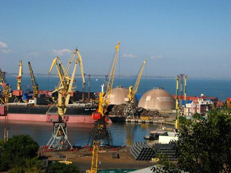 Саакашвили иска да даде пристанището в Одеса на Запада?
