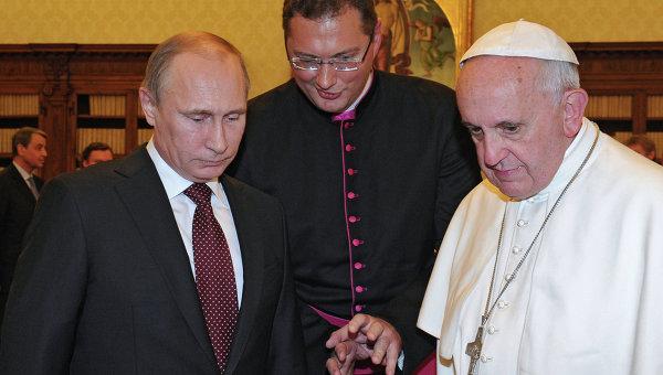 Папа Франциск подари на Путин медал с ангел-миротворец