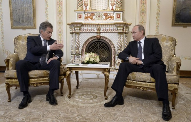 Президентите на Русия и Финландия обсъдиха украинската криза