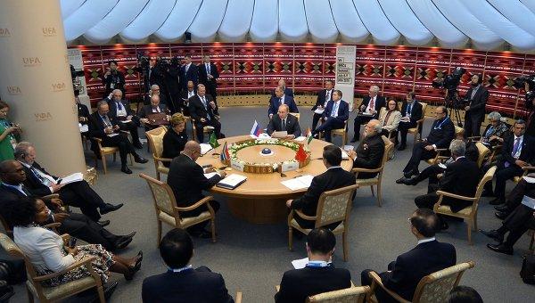Започна срещата в тесен състав на лидерите на БРИКС