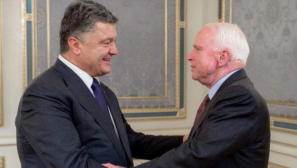 Порошенко призовава американците за нова вълна от санкции срещу Русия