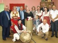 Младежи в Русия са се посветили на българския фолклор