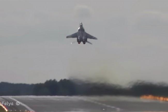 Невероятно излитане на МиГ-29 покори западните медии (ВИДЕО)