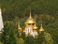 Златният храм край Шипка