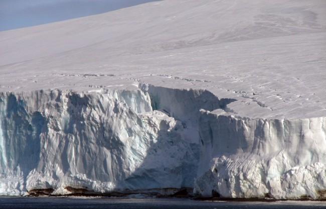 Русия подаде заявка в ООН за разширяване на континенталния шелф в Арктика