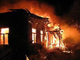 Горловка обхваната в пламъци след обстрел на украинската армия