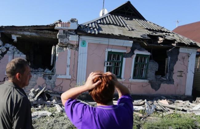 Лавров: Ситуацията в Донбас напомня подготовка за бойни действия