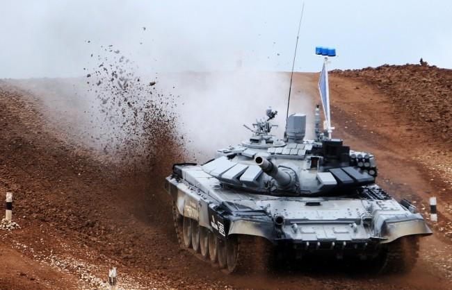 Танков батальон в Западна Русия е вдигнат под тревога за провеждането на учения