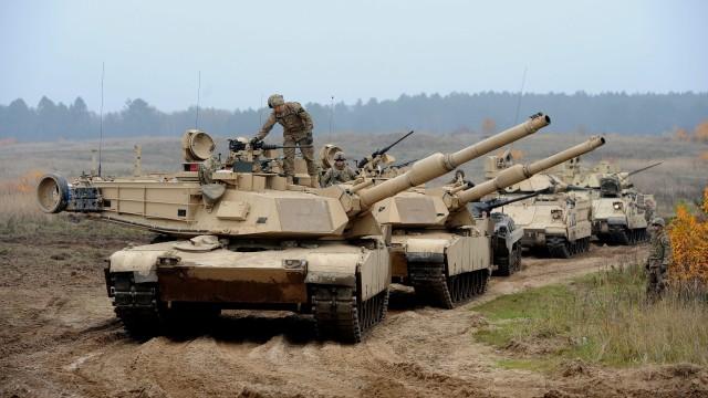 Руски вестник: САЩ изпрати в България танкове, за да я брани от Русия