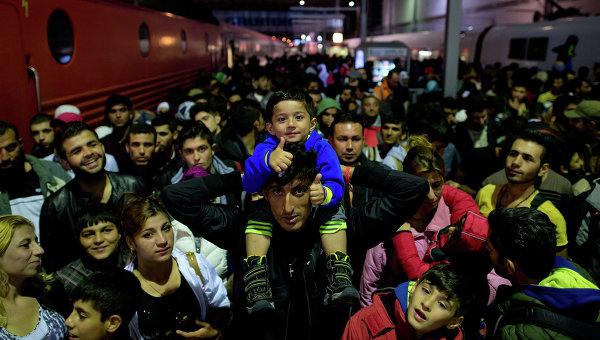 Анализатор: Напливът от бежанци ще повлияе на финансовия и социалния живот в ЕС