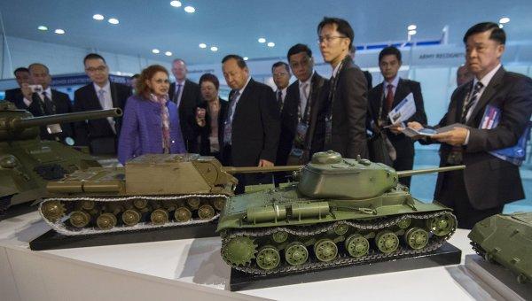 Рогозин: Натискът върху Русия е свързан с мащабната държавна програма за въоръжение