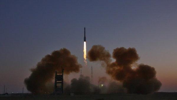 """""""Протон"""" успешно изведе в орбита комуникационния сателит """"Експрес-АМ8"""""""