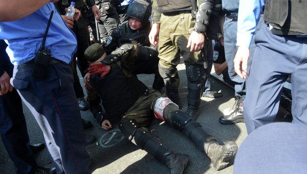 Песков: Проявата на насилие пред сградата на Върховната рада е абсолютно неприемливо