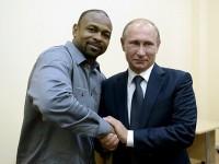 Известният боксьор Рой Джоунс-джуниър получи руски паспорт