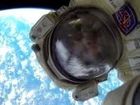 Руски космонавти заснеха зашеметяващо видео от открития космос (видео)