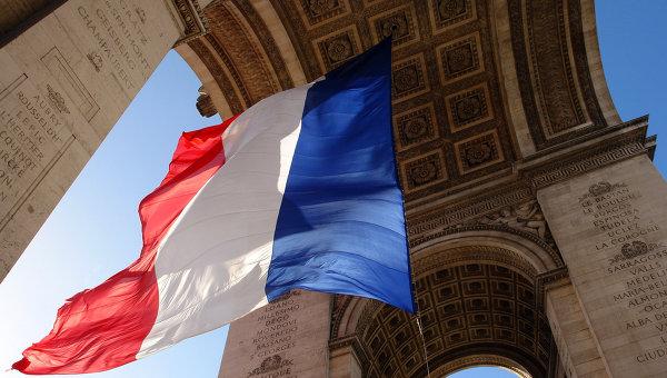 Figaro: Франция трябва да снеме санкциите срещу Русия, без да пита Щатите за разрешение