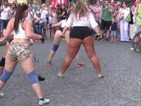 """""""Целулитни"""" танци в Одеса разтърсиха интернет"""
