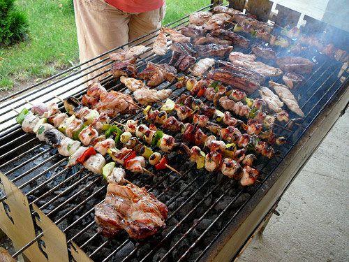 """По време на фестивала """"Sofia Mezi"""" се изконсумира над 7,5 т печено месо"""