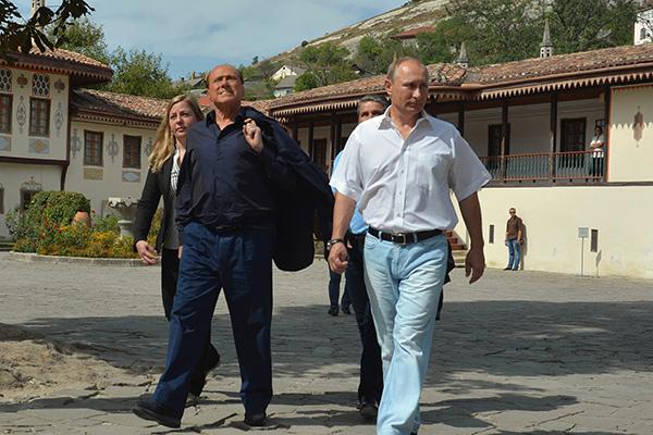 Владимир Путин и Сильвио Берлускони. Фото: Алексей Дружинин / РИА Новости