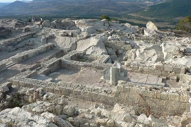 Проф. Овчаров: Разкрихме напълно Акропола на Перперикон