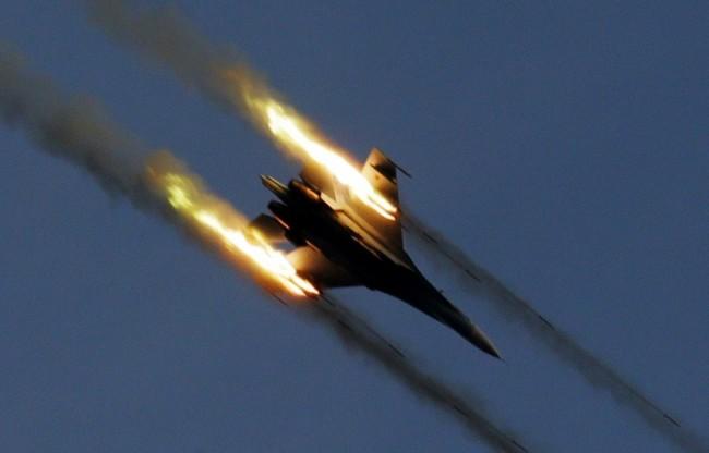 МО на Русия: Авиогрупата на ВКС на РФ е унищожила три укрепени пункта на терористите от ИД в Латакия