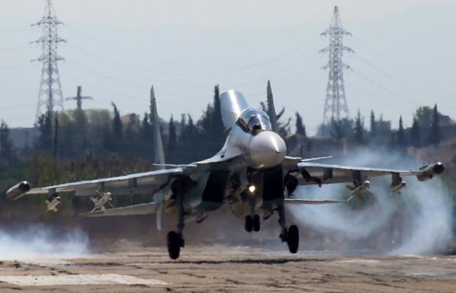 МО: Във вторник руски самолети извършиха около 20 бойни полета в Сирия