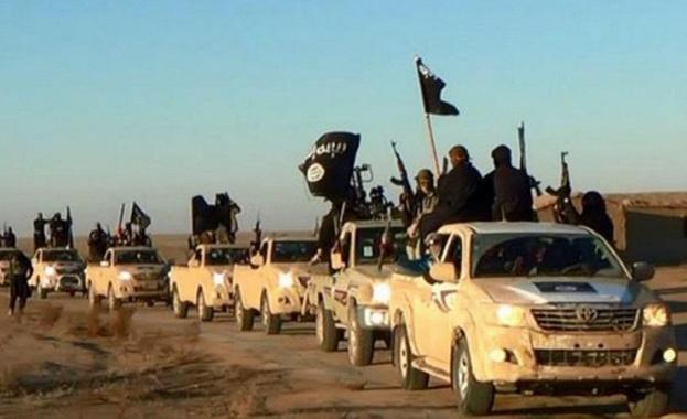 """САЩ лично уредили """"Ислямска държава"""" с джипове """"Тойота"""""""