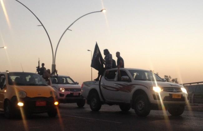 Сирийската армия: Турция извозва със самолети терористи от ИД, за да ги спаси от руските удари