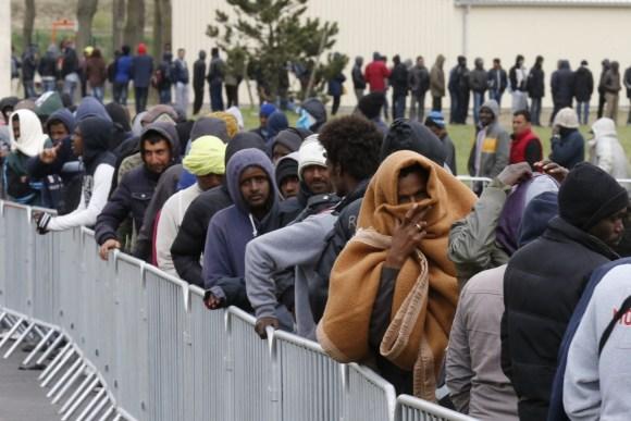 """Започва """"квотното"""" разселване на мигранти"""