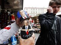Руският президент е много популярен символ сред производителите на сувенири. Снимка: Reuters.