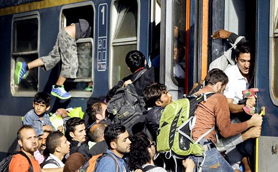 Администрацията на канцлера: 50% от идващите в Германия мигранти да се депортират